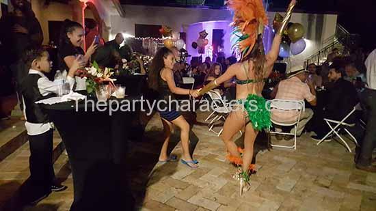 hora loca dancers